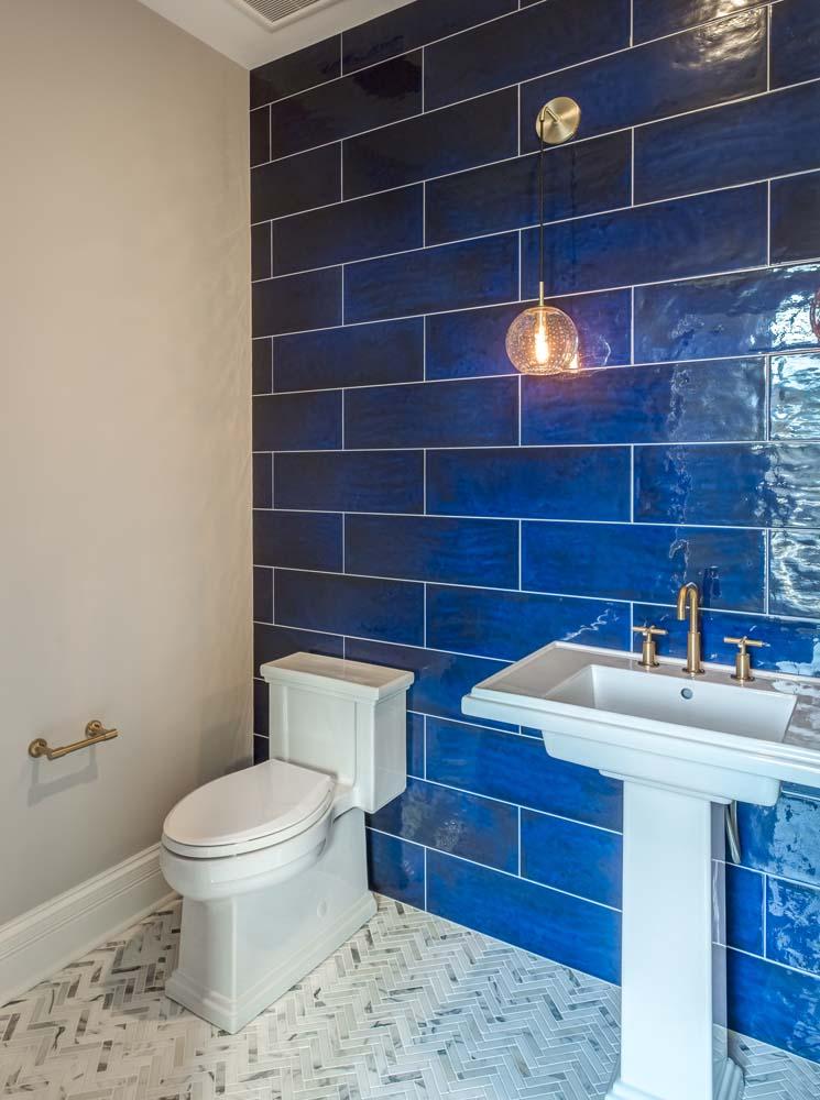 Champions Way 1477 bathroom