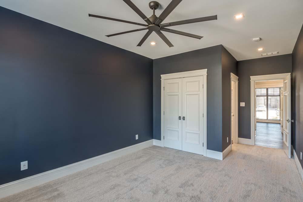 Champions Way 1477 bedroom