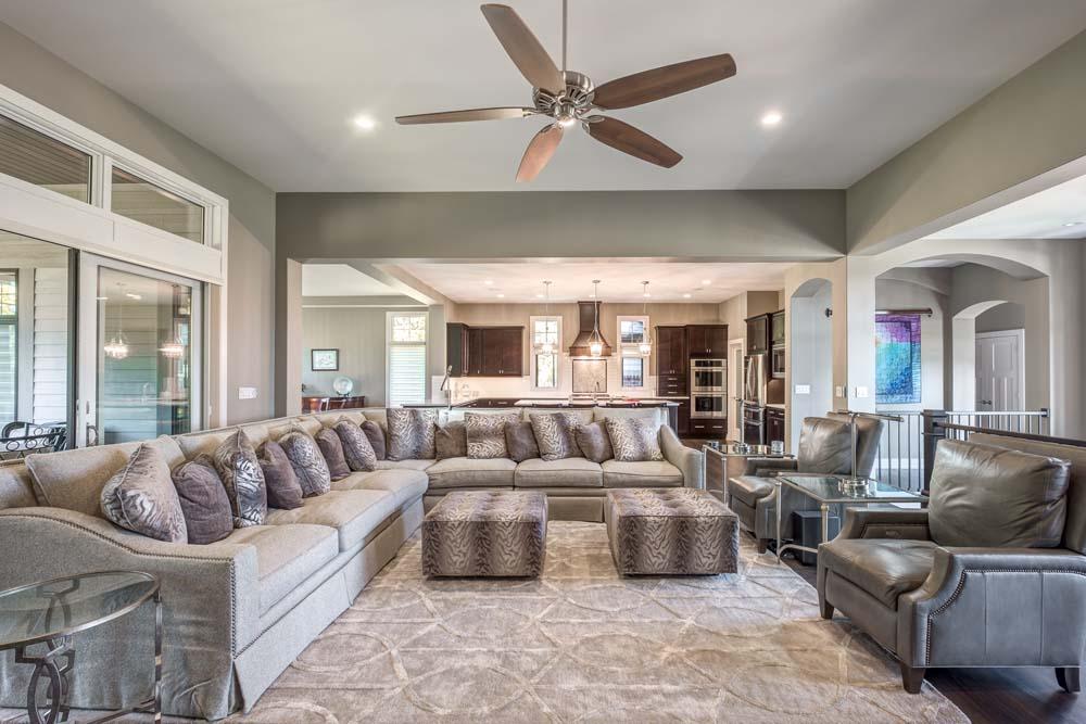 Amys Ridge 2075 living room